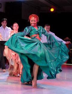 1204527188_Hitian traditional dance_240x180