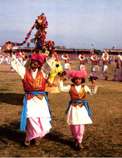 1204697038_Pakistan Folk Dance 1_240x180